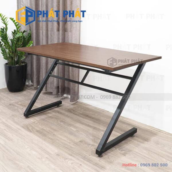 Sử dụng bàn làm việc chân sắt cho không gian thêm chuyên nghiệp - 2